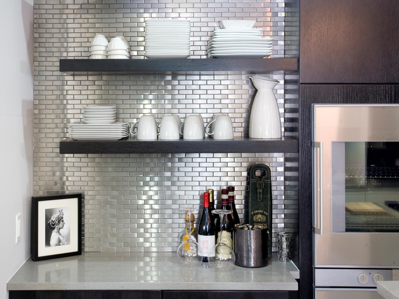 HKITC106_Kitchen-Stainless-Steel-Tile-Backsplashes_s4x3.jpg.rend.hgtvcom.1280.960