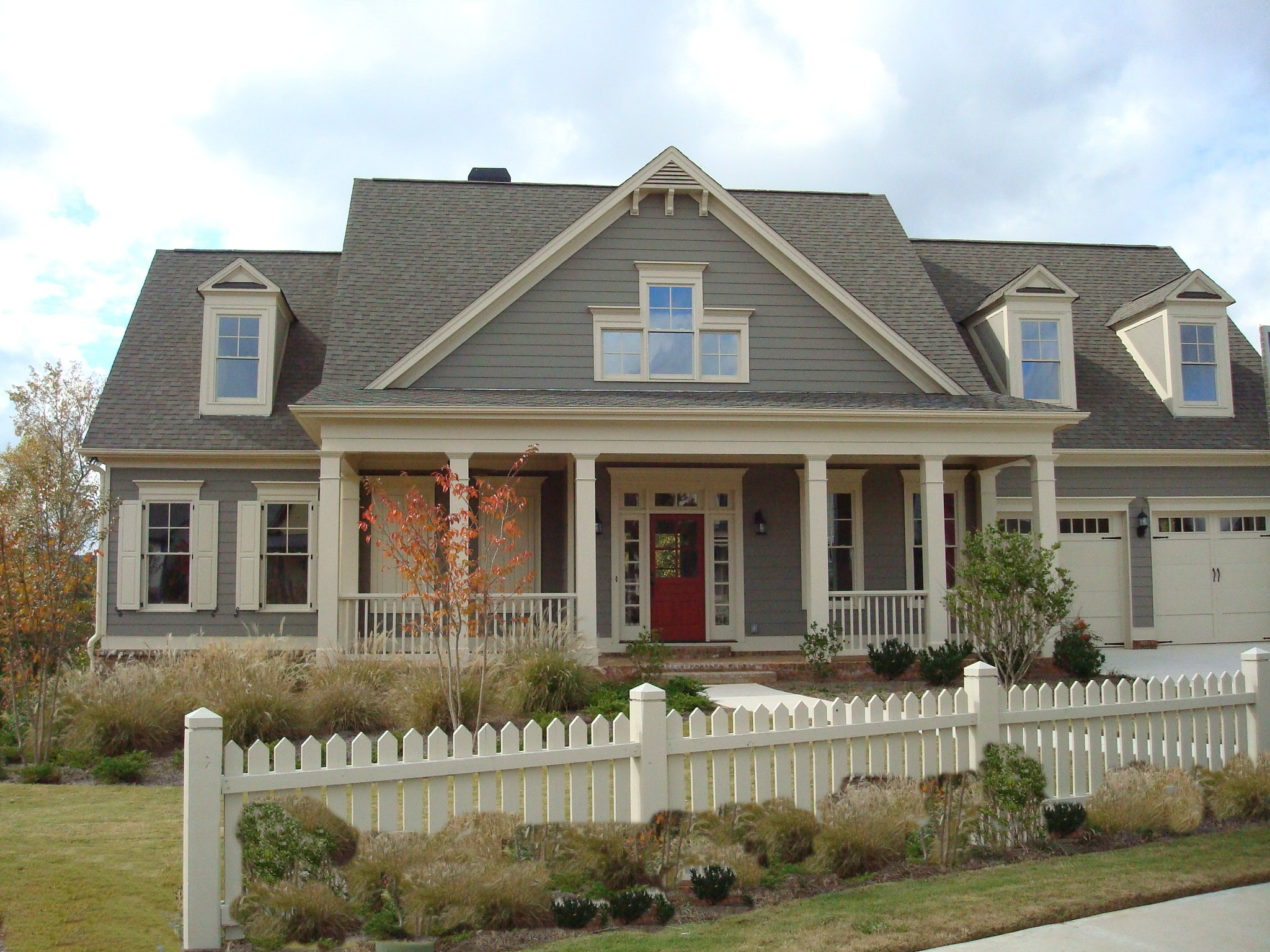 beautiful-exterior-color-ideas-5-exterior-house-paint-color-schemes-2048-x-1536